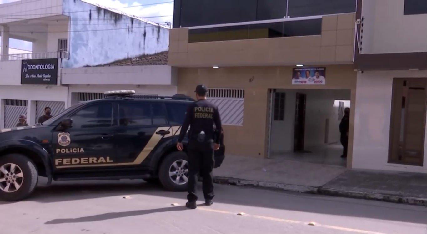 Polícia Federal chega à casa do prefeito de Agrestina