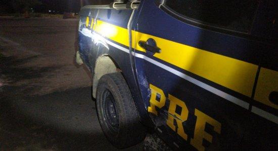 Viatura da PRF foi atingida por caminhonete