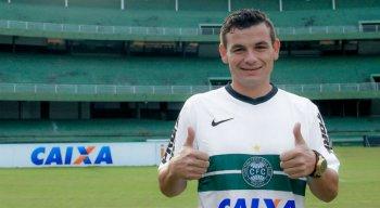 Aos 31 anos, Ruy pertence ao Coritiba e negocia com o Náutico