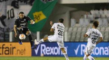 Santos e Olímpia empataram em 0 a 0, nessa terça (15) na Vila Belmiro, no retorno da Libertadores da América.