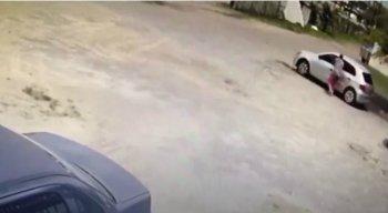 O homem percebeu o assalto e tentou fugir, mas o bandido atirou