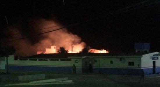 Fogos de artifício atingem hospital no Sertão, durante convenção do Democratas
