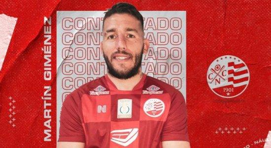 Náutico anuncia saída do atacante Martin Gimenez, que pediu aumento salarial sem jogar uma partida