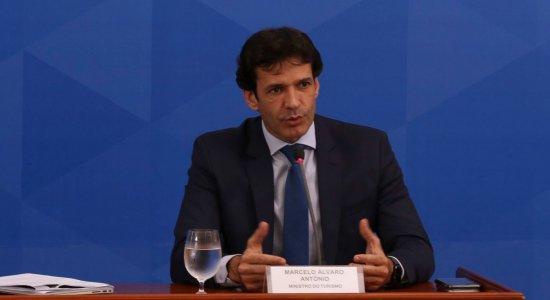 Ministro do Turismo testa positivo para o coronavírus