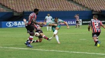 Nesse sábado (19), o Santa Cruz empatou com Manaus