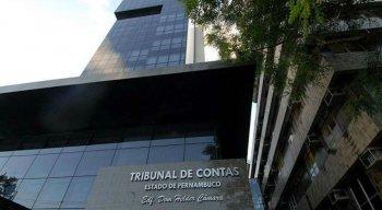 A pesquisa por processos e irregularidades de políticos pode ser feita através do site do TCE-PE