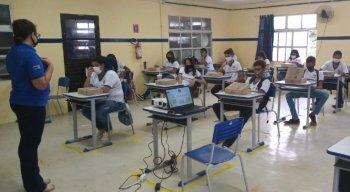 Em Fernando de Noronha, as aulas presenciais voltaram nesta terça-feira (22)