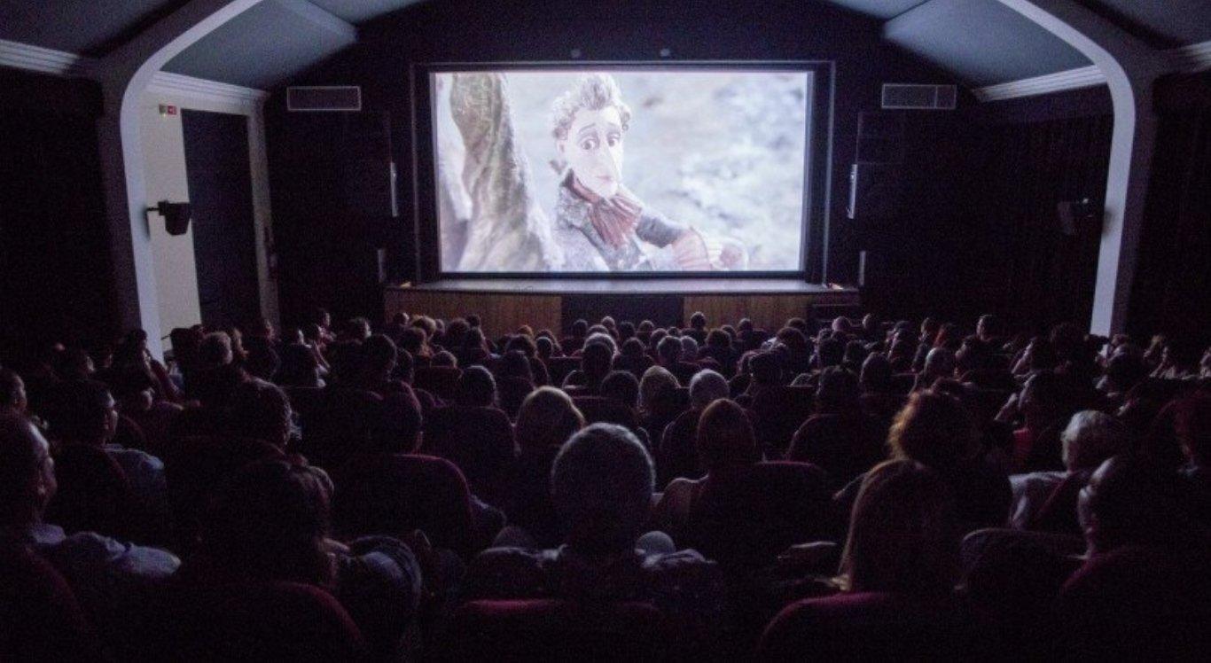 Cinemas vão reabrir em PE