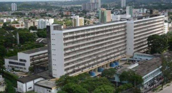 Homem de 280kg inicia tratamento no Hospital das Clínicas, no Recife