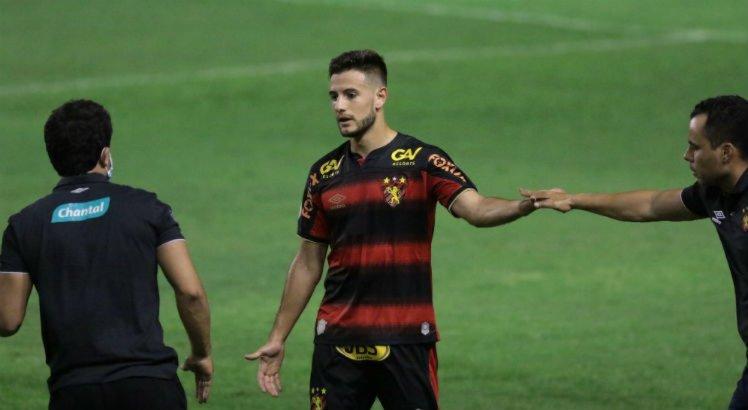Leandro Barcia fica no Sport