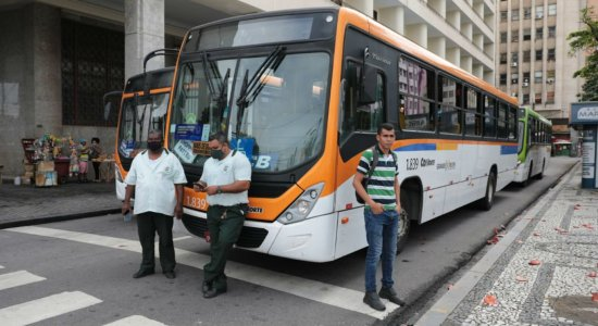 PL que proíbe a dupla função de motoristas nos ônibus do Recife é sancionado
