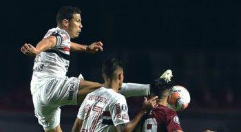 A primeira partida entre São Paulo e River Plate, no Morumbi, terminou em 2 x 2