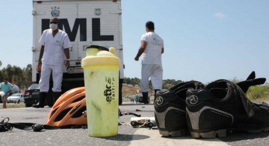 Durante tentativa de assalto, ciclista é atropelado por caminhão e morre na BR-101
