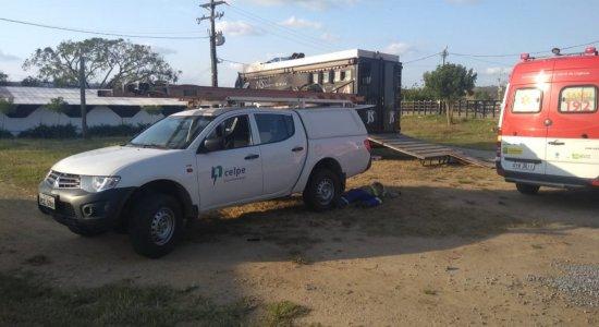 Funcionário da Celpe é morto em Limoeiro, no Agreste de Pernambuco; suspeito está foragido