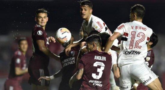 São Paulo luta pela vida na Libertadores contra River Plate na tela do SBT