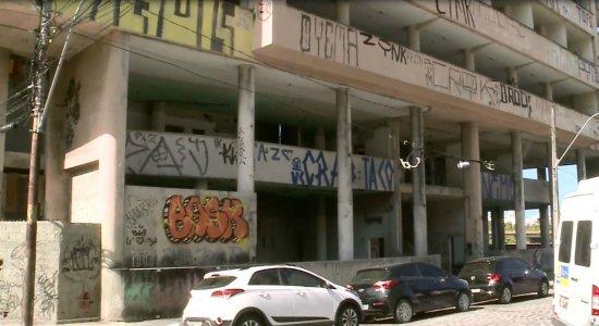 Homem é encontrado morto em prédio abandonado no Centro do Recife