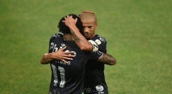 Com atuação impecável do goleiro João Paulo em uma partida de duas viradas, o Santos derrotou o Olímpia por 3 a 2