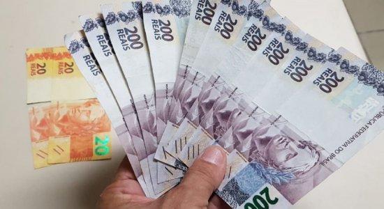 Bombeiro civil é presa ao tentar repassar notas falsas de R$ 200 em Carpina