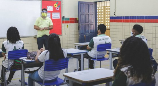 Aulas presenciais para educação infantil e ensino fundamental seguem suspensas em Pernambuco