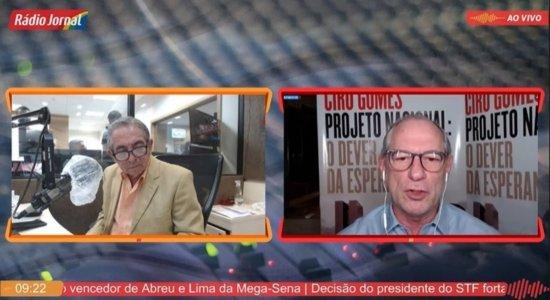 Ciro Gomes chama Bolsonaro de