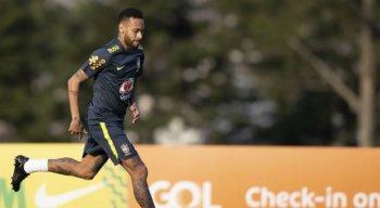 Neymar é dúvida para o confronto contra a Bolívia.