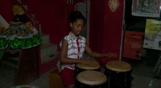 Infância Cidadã: Garoto descobre que tem na música, na cultura e na família inspiração para ser tornar artista
