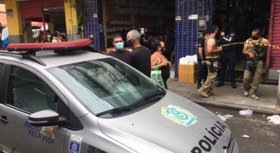 Operação apreende produtos falsificados em lojas do centro do Recife