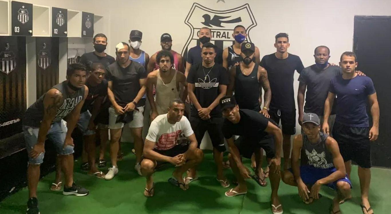 Jogadores do Central não treinam desde a quinta-feira (15)