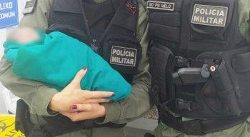 A recém-nascida foi salva por policiais militares no Cabo de Santo Agostinho