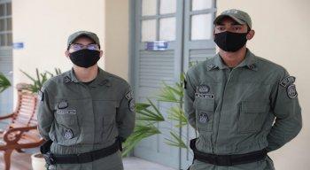 A criança foi levada na viatura do 18º Batalhão da PM para o hospital Mendo Sampaio, no Cabo, onde foi recebida pela equipe médica e, em seguida, transferida para o Imip, no Recife.