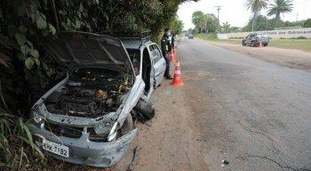 O motorista do outro veículo que teria provocado o acidente abandonou o local sem prestar socorro