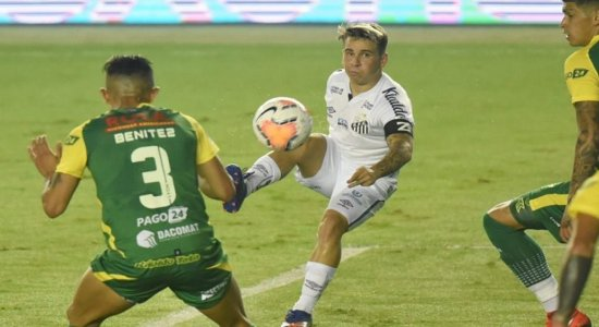 Libertadores: Santos vence Defensa y Justicia com gol nos acréscimos