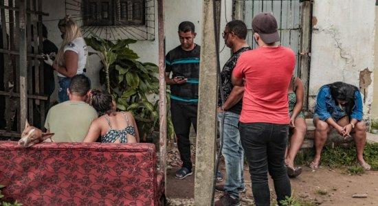 Corpos de mãe e filho mortos enquanto dormiam no Cabo são liberados