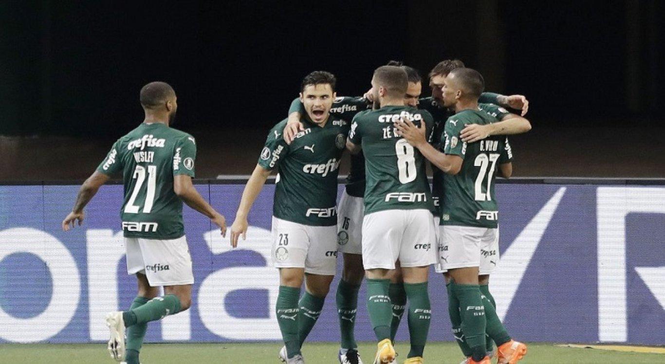 O Palmeiras encerrou a sequência de quatro derrotas consecutivas com uma goleada de 5 a 0 sobre o Tigre (Argentina)