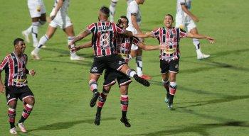 Santa Cruz e Botafogo-PB jogaram no Arruda pelo Campeonato Brasileiro da Série C