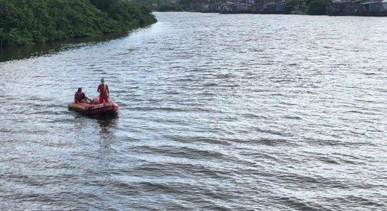 Menino de 13 anos desaparece após pular no Rio Capibaribe, no Recife