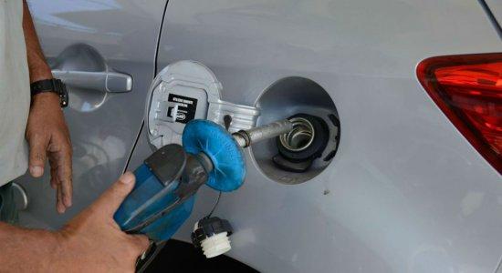 Motoristas reclamam dos altos preços da gasolina na Região Metropolitana do Recife