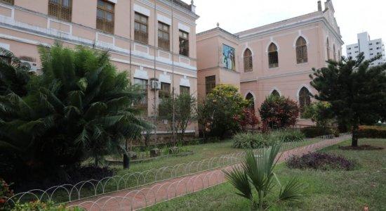 Pandemia do coronavírus provocou o fechamento de mais de 200 escolas em Pernambuco