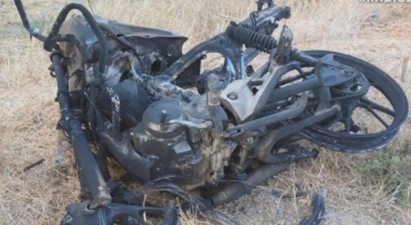Moto pegou fogo após acidente