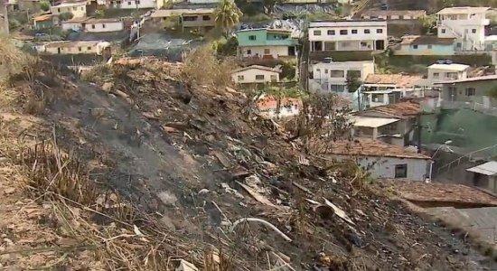 Incêndio em barreira assusta moradores na Zona Norte do Recife