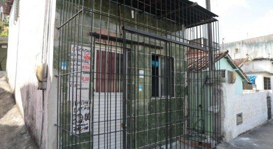 Feminicídio: Idosa é morta a facadas e marido é preso suspeito do crime em Camaragibe