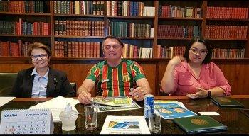 A ministra participou da live do presidente Jair Bolsonaro nas redes sociais.