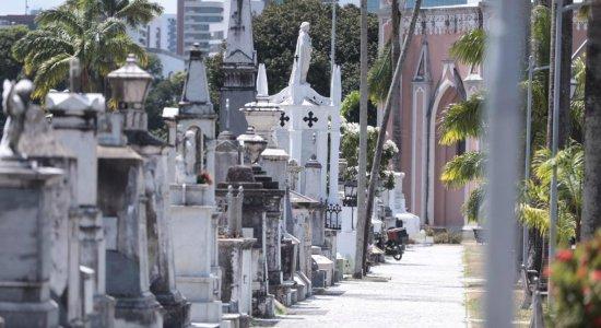 Menino de 6 anos que morreu atingido por caminhão na BR-101 é enterrado no Recife