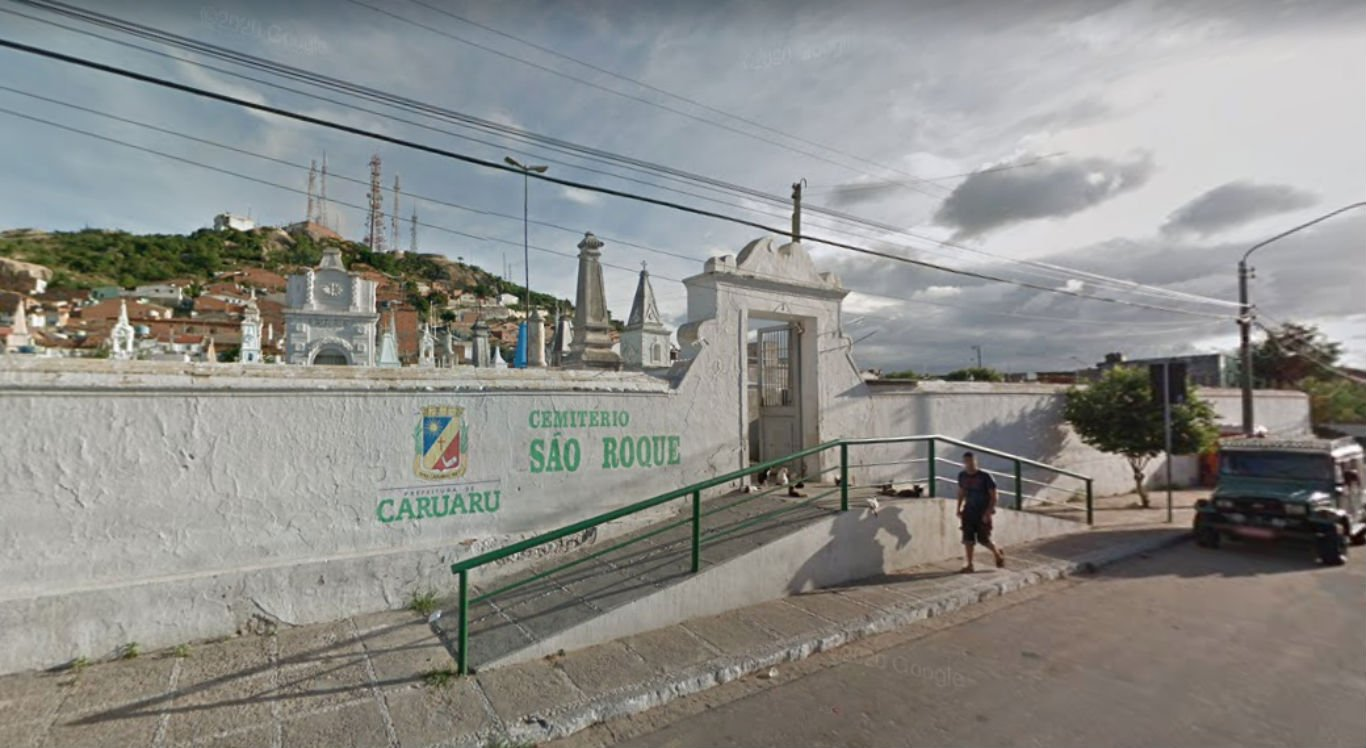 Cemitério São Roque, na área central de Caruaru