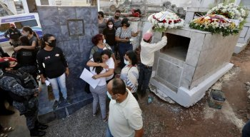 Policial de apenas 24 anos foi sepultado em Vitória de Santo Antão