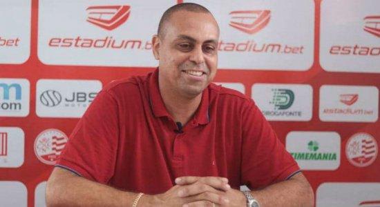 'Oportunidades de mercado', diz executivo do Náutico sobre contratações de Bustamente e Foguinho
