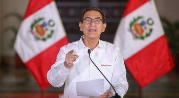 Presidente Martín Vizcarra sofre impeachment no Congresso do Peru