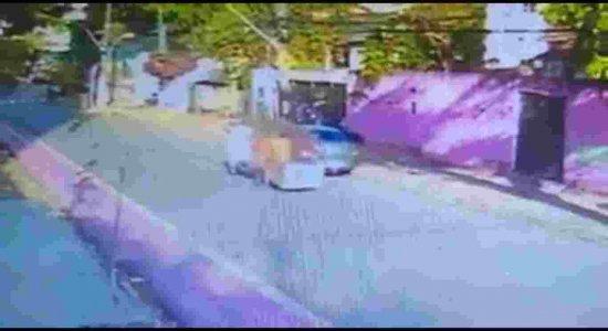 Vídeo capta momento em que homem é morto na Estrada do Arraial, no Recife