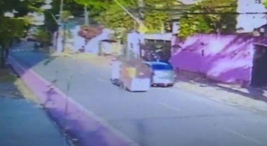 Imagens mostram assassinato de catador de recicláveis no Recife
