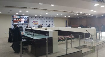 Neste domingo (15), às 7h, o Tribunal Regional Eleitoral de Pernambuco (TRE-PE) iniciou a sessão de abertura da eleição no Estado
